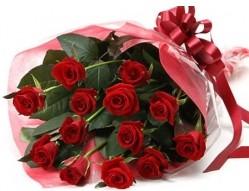 Ardahan anneler günü çiçek yolla  10 adet kipkirmizi güllerden buket tanzimi