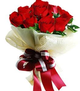 9 adet kırmızı gülden buket tanzimi  Ardahan çiçek gönderme sitemiz güvenlidir