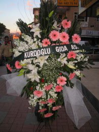 kazablanka,gerbera,sebboy ferforje  Ardahan çiçekçi mağazası