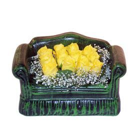 Seramik koltuk 12 sari gül   Ardahan ucuz çiçek gönder