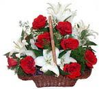 sepette gül ve kazablankalar   Ardahan çiçekçi mağazası