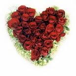 kalp biçiminde 15 gülden   Ardahan güvenli kaliteli hızlı çiçek