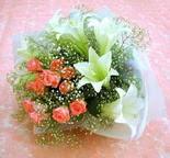 Ardahan çiçek yolla  lilyum ve 7 adet gül buket