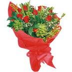 10 adet kirmizi gül buketi  Ardahan çiçek yolla