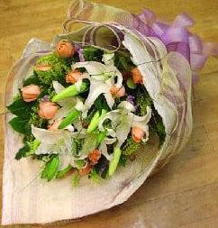 Ardahan internetten çiçek satışı  11 ADET GÜL VE 1 ADET KAZABLANKA