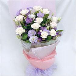 Ardahan internetten çiçek satışı  BEYAZ GÜLLER VE KIR ÇIÇEKLERIS BUKETI