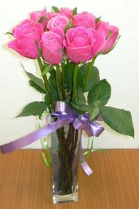 cam vazo içerisinde 11 adet gül  Ardahan internetten çiçek satışı