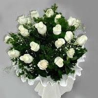 Ardahan hediye çiçek yolla  11 adet beyaz gül buketi ve bembeyaz amnbalaj