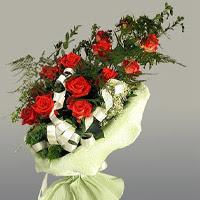 Ardahan ucuz çiçek gönder  11 adet kirmizi gül buketi sade haldedir