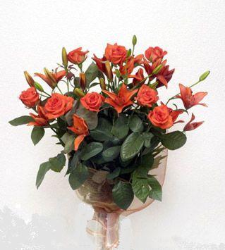 9 adet gül ve 3 adet lilyum çiçegi buketi   Ardahan cicek , cicekci