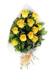 Ardahan güvenli kaliteli hızlı çiçek  12 li sari gül buketi.
