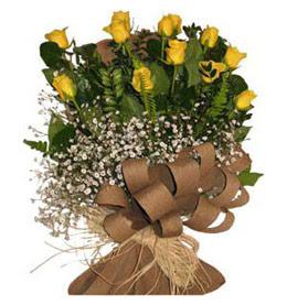 Ardahan çiçek yolla  9 adet sari gül buketi