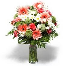 Ardahan çiçekçiler  cam yada mika vazo içerisinde karisik demet çiçegi