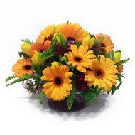 gerbera ve kir çiçek masa aranjmani  Ardahan çiçek siparişi vermek