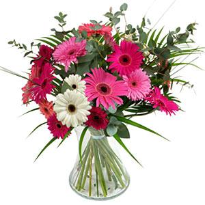 15 adet gerbera ve vazo çiçek tanzimi  Ardahan online çiçek gönderme sipariş