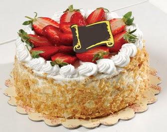 uygun pastaneler 4 ile 6 kisilik çilekli yas pasta lezzetli  Ardahan çiçek siparişi vermek