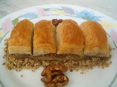 online pastane Essiz lezzette 1 kilo cevizli baklava  Ardahan cicek , cicekci