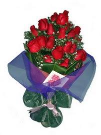 12 adet kirmizi gül buketi  Ardahan online çiçek gönderme sipariş