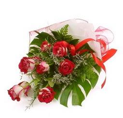 Çiçek gönder 9 adet kirmizi gül buketi  Ardahan çiçek siparişi vermek
