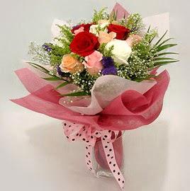 Karisik renklerde 11 adet gül buketi  Ardahan çiçek gönderme