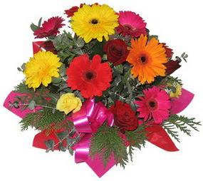 Karisik mevsim çiçeklerinden buket  Ardahan hediye sevgilime hediye çiçek