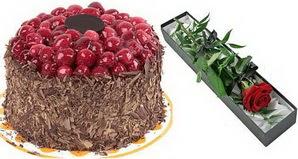 1 adet yas pasta ve 1 adet kutu gül  Ardahan uluslararası çiçek gönderme