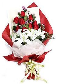 Ardahan hediye çiçek yolla  9 adet gül 2 adet kazablanka buketi