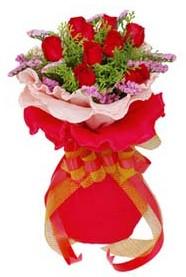 Ardahan cicekciler , cicek siparisi  8 Adet kirmizi güllerden buket tanzimi