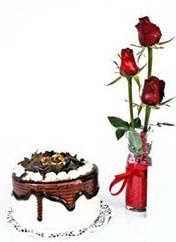 Ardahan çiçek siparişi vermek  vazoda 3 adet kirmizi gül ve yaspasta