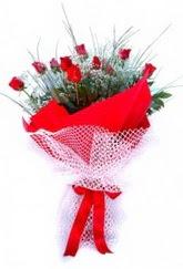 Ardahan İnternetten çiçek siparişi  9 adet kirmizi gül buketi demeti