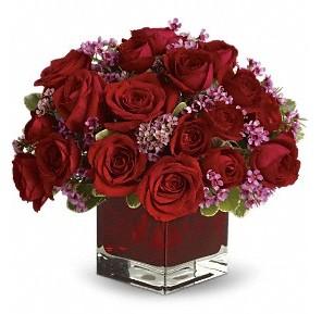 11 adet kırmızı gül vazosu  Ardahan çiçekçiler