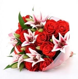 Ardahan çiçek siparişi vermek  3 dal kazablanka ve 11 adet kırmızı gül
