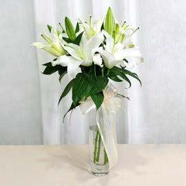 Ardahan anneler günü çiçek yolla  2 dal kazablanka ile yapılmış vazo çiçeği