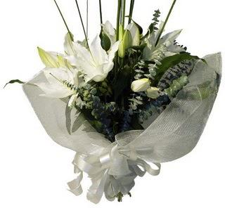 Ardahan çiçekçi mağazası  2 dal kazablanka çiçek buketi