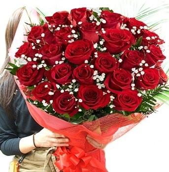 Kız isteme çiçeği buketi 33 adet kırmızı gül  Ardahan çiçek gönderme sitemiz güvenlidir