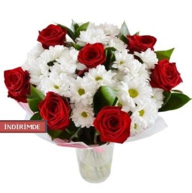 7 kırmızı gül ve 1 demet krizantem  Ardahan çiçek gönderme sitemiz güvenlidir